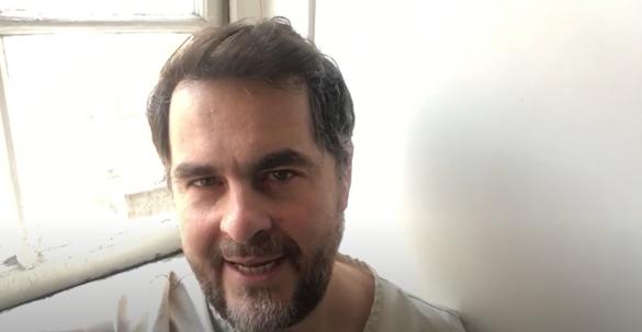 Selfie crítica: Bad Education, de Cory Finley, com Hugh Jackman