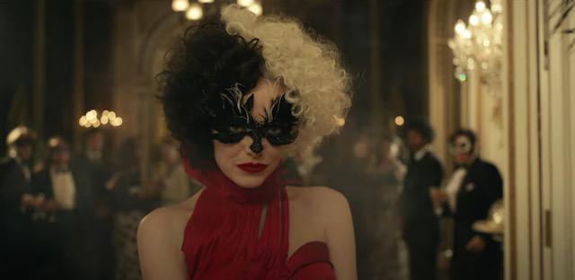 Emma Stone, a adorável psicotapa Cruela