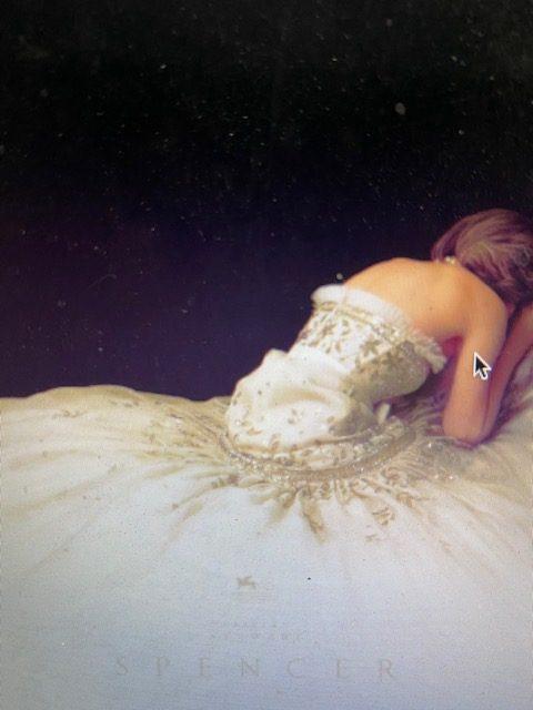 Kristen Stewart e o material Óscar no trailer de SPENCER